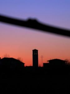 campanile visto dalla campagna di castions di strada