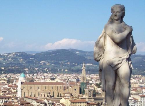 Firenze - SANTA CROCE E LA STUA DI GIARDINO BARDINI