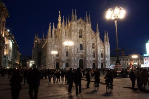 """Milano - Milano Piazza Duomo """"La Domenica"""""""