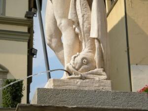 Moncalieri, particolare della fontana del Saturnio