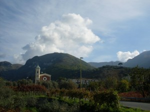 Tra cielo e oliveti…