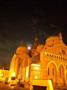 La Basilica del Santo - Illuminazione a confronto