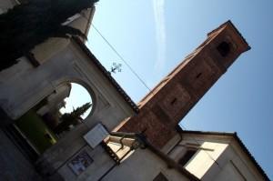 ORIGGIO La chiesetta di San Giorgio e l'antico Campanile