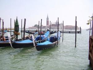 Venezia dondolata dal mare