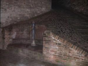 la fontana by night