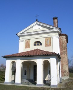 Cappella all'entrata del paese