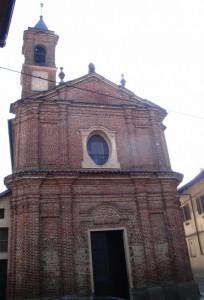 La chiesa nel centro del paese