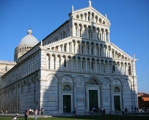 Duomo con ombra Battistero - Pisa