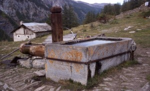 fontana d'alpeggio in Val Troncea, borgata Troncea, Pragelato