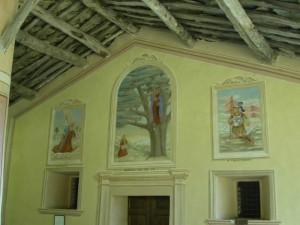 Oncino (Valle Po), particolare (affreschi) della chiesa della Madonna del Bel Fo … il nome deriva dalla presenza di faggi nella zona
