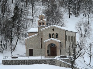 Chiesa nella neve - Casale S. Nicola fraz. di Isola del Gran Sasso (TE)
