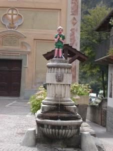Vernante, Val Vermennagna, fontana di Pinocchio … è il paese in cui nacque Attilio Mussino, illustratore delle Avventure di Pinocchio