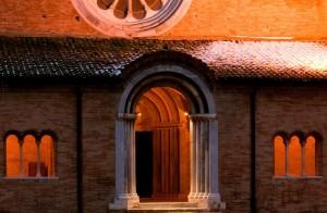 La Facciata di S. Maria di Chiaravalle di Fiastra