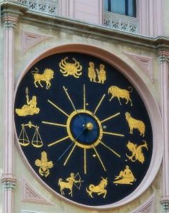 Particolare dell'orologio del duomo di Messina