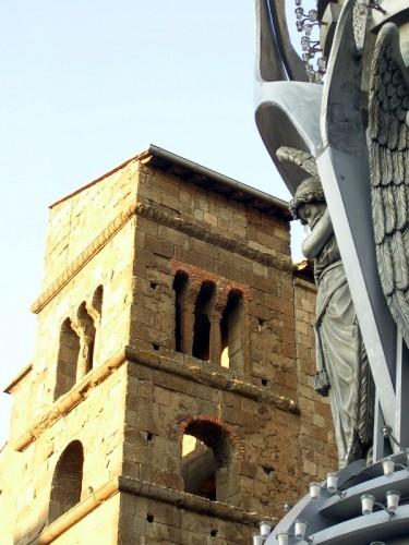 Viterbo - L'Angelo e il Campanile