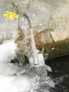 borgata Chiesa di Bellino, fontana gelata