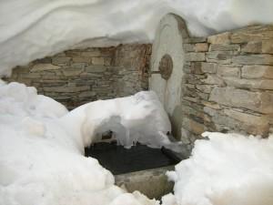 Bellino, fontana nella borgata Chiazale