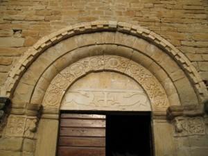 L'abbazia di S.Elena - particolare del portale