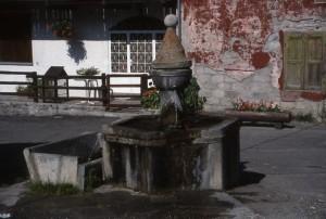 fontana in pietra a Cesana Torinese