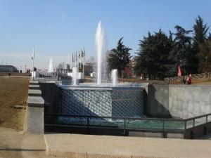 Torino, fontna luminosa, costruita vicino al Palavela in occasione di Italia '61, e ristrutturata nel 2006 in occasione delle Olimpiadi