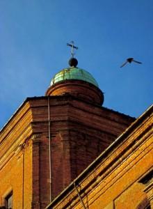 volando intorno alla cupola