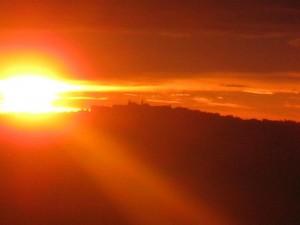Il Duomo di Cupramontana all'alba