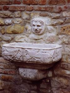 Fontanella del leoncino