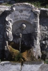 Cesana Torinese, fontana S. Antonio