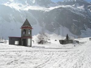 """chiesetta al Pian della Mussa (Balme, Val d'Ala), sorge nel luogo in cui nel 1927 fu composto dall'alpinista Toni Ortelli il celebre canto """"la Montanara"""""""
