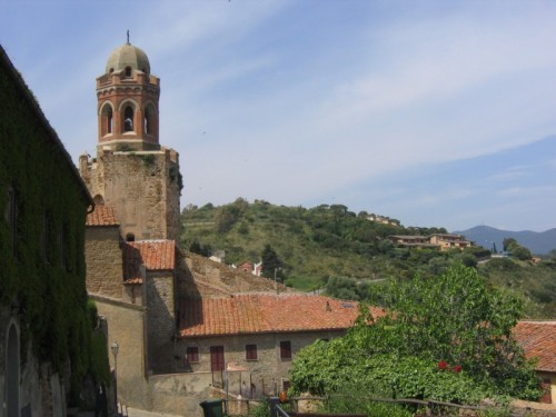 Castiglione della Pescaia - Chiesa nel borgo medievale