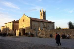 Chiesa a Monteriggioni