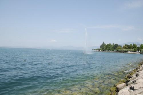 Bardolino - Fontana dei Marinai sull'acqua