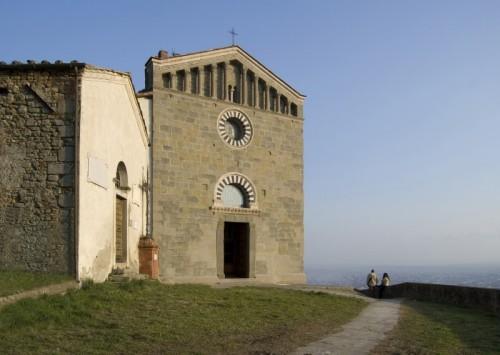 Uzzano - La Chiesa dei Santi Jacopo e Martino