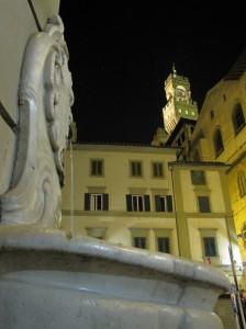 Fontana a muro di piazza del grano