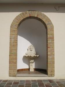 La fontanella nei pressi del cimitero
