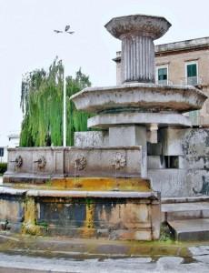 Fontana in piazza del Ponte Girevole