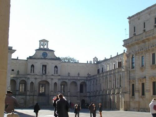 Lecce - Arcivescovato e relativa Piazza