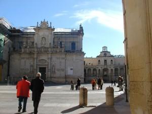Duomo,Arcivescovato e relativa Piazza
