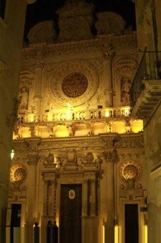 Lecce - Chiesa di Santa Croce di notte ( facciata )