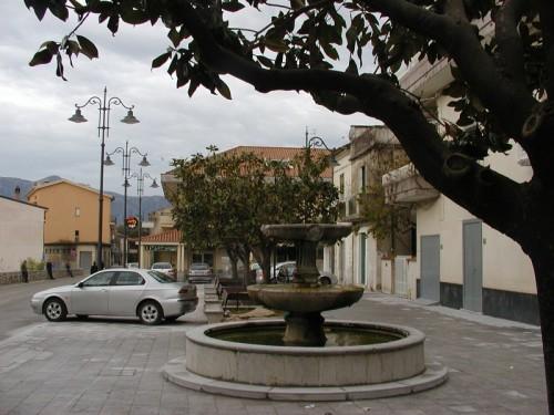 Torre Orsaia - Fontana della piazza