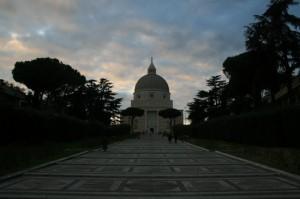 Basilica dei S.S. Pietro e Paolo - Eur