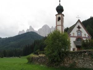 San Giovanni in Ranui e le Odle
