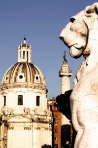 La chiesa SS. nome di Maria veduta dal Vittoriano.