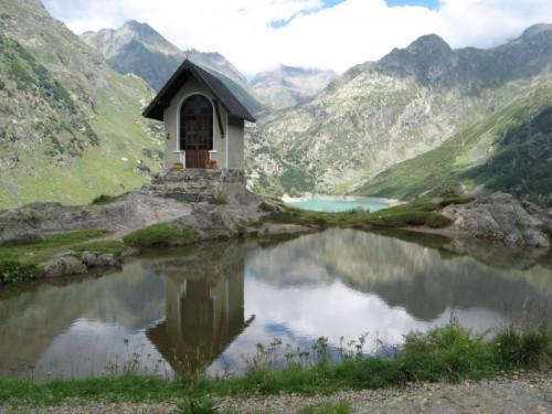 Valbondione - Piccola cappella nei pressi del rifugio Curò