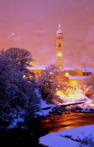 sotto la neve notturno