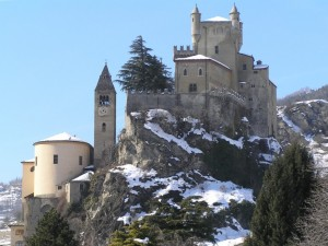 Chiesa e castello a Saint Pierre