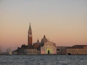 Chiesa vista dal traghetto..