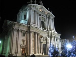 """Duomo """" nuovo"""" tra le luci del Natale"""