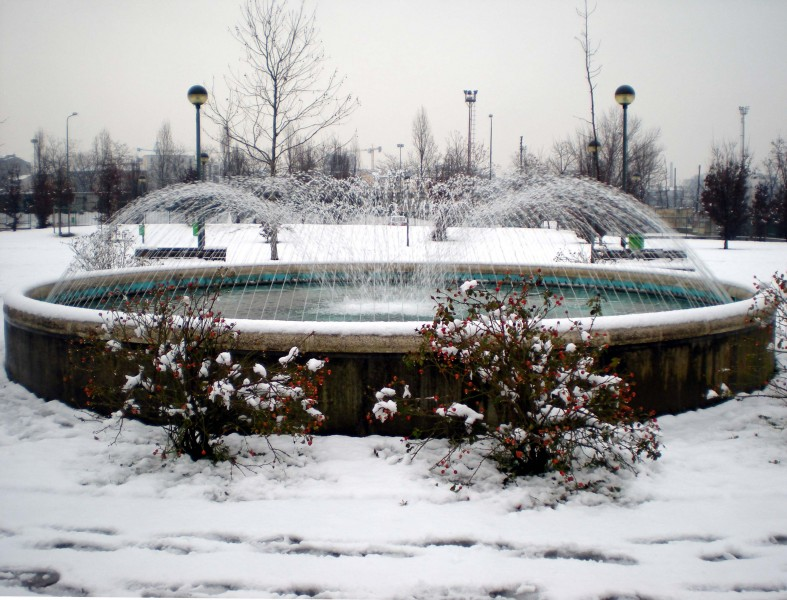 ''Fontana nell'ultima neve'' - Milano