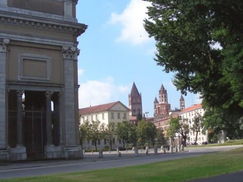 Vercelli - Sant'Andrea vista da Piazza Papa Giovanni XXIII